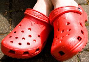 crocs_red